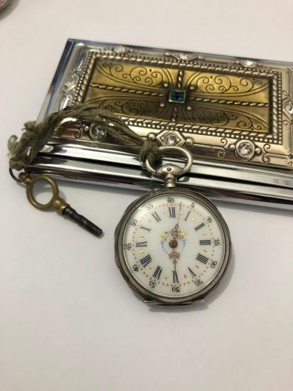 Roma Rakamlı Köstekli Bayan Saati