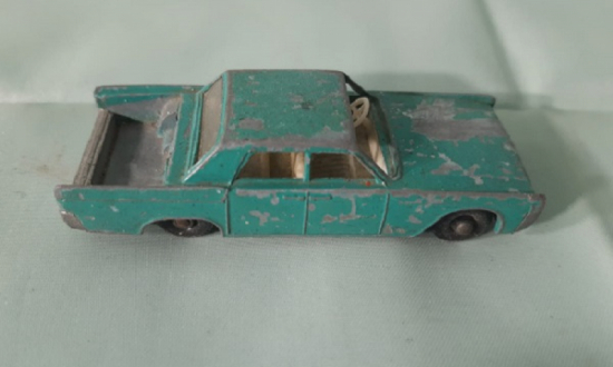 BY LESNEY MATCHBOX SERIES NO: 31 LINCOLN CONTINENTAL METAL ARABA 1970