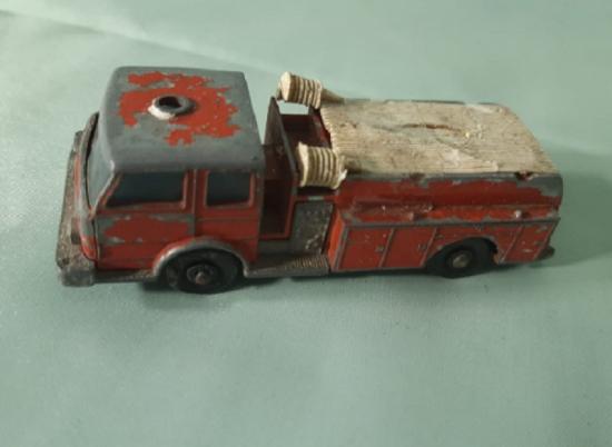 BY LESNEY MATCHBOX SERJES NO : 29 FİRE PUMPER TRUCK DENVER İTFAİYE 1960
