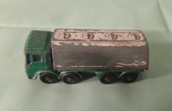 MATCHBOX SUPERFAST No.32c LEYLAND BP PETROL TANKER BOXED 1970